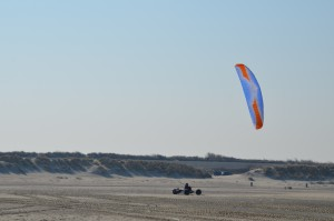Strandbuggy mit Kite